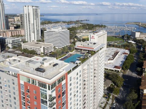 Bay View at Camden Pier District Apartments in St. Petersburg, FL