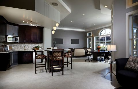 Resident Lounge at Camden Plantation Apartments in Plantation, FL