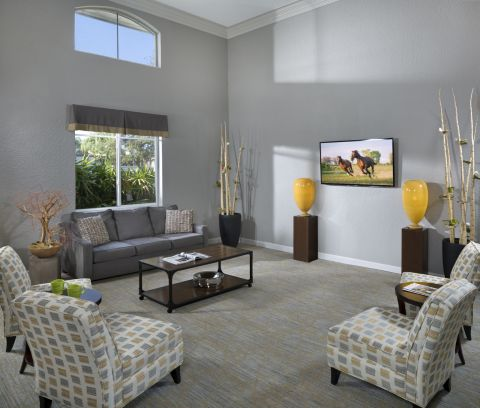 Resident Lounge at Camden Portofino Apartments in Pembroke Pines, FL