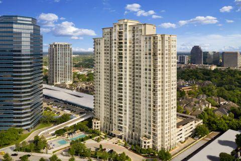 Camden Post Oak Apartment Building in Houston, TX