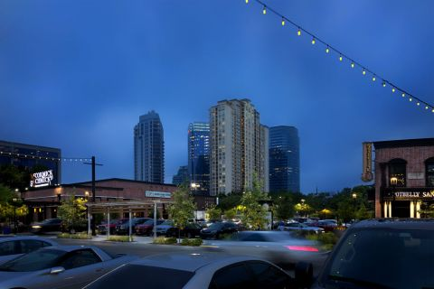 Uptown Park Restaurants and Shopping near Camden Post Oak Apartments in Houston, TX
