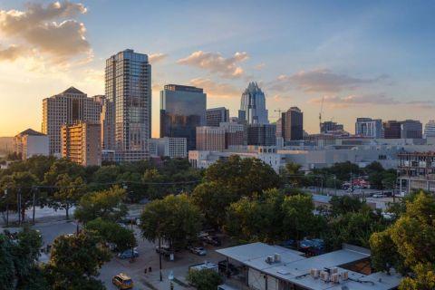 Camden Rainey Street apartments in Austin, TX Skyline