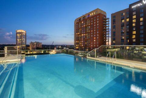 Camden Rainey Street apartments in Austin, TX Pool with Skyline View