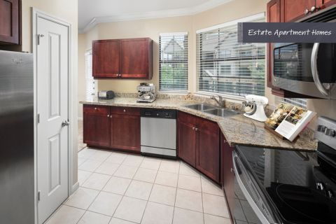 Estate Kitchen at Camden Riverwalk Apartments in Grapevine, TX