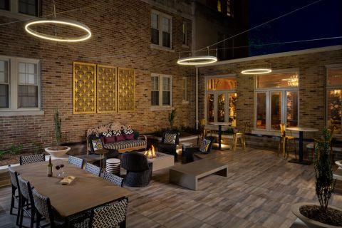Courtyard at Camden Roosevelt Apartments in Washington, DC