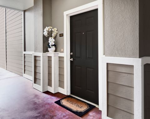 Apartment Entrance at Camden Royal Oaks Apartments in Houston, TX
