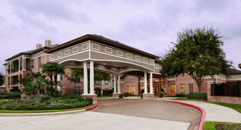 Welcome Center Entrance at Camden Royal Oaks Apartments in Houston, TX