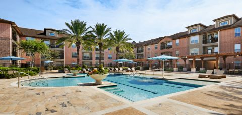 Swimming Pool at Camden Royal Oaks Apartments in Houston, TX