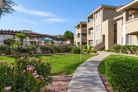Green Space at Camden San Marcos Apartments in Scottsdale, AZ