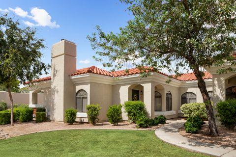 Apartment Exterior at Camden San Paloma Apartments in Scottsdale, AZ