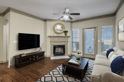 Living room at Camden Shiloh apartments in Kennesaw, GA