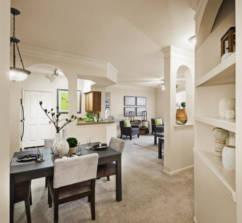 Dining Room at Camden South Bay Apartments in Corpus Christi, TX