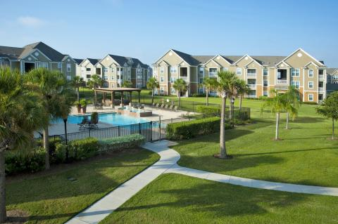 Green Space and Pool at Camden South Bay Apartments in Corpus Christi, TX