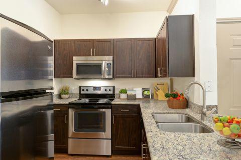 Kitchen at Camden Stoneleigh Apartments in Austin, TX