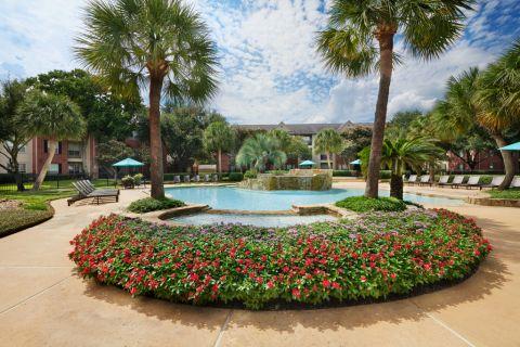 Swimming Pool at Camden Sugar Grove Apartments in Stafford, TX