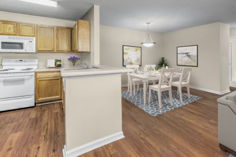 Kitchen and Dining at Camden Touchstone Apartments in Charlotte, NC