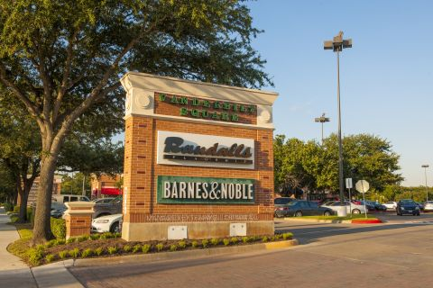 Walking Distance to Starbucks and Grocery Stores at Camden Vanderbilt Apartments in Houston, TX