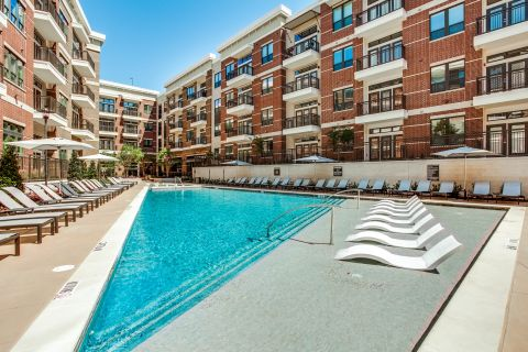 Sundeck at Camden Victory Park Apartments in Dallas, TX