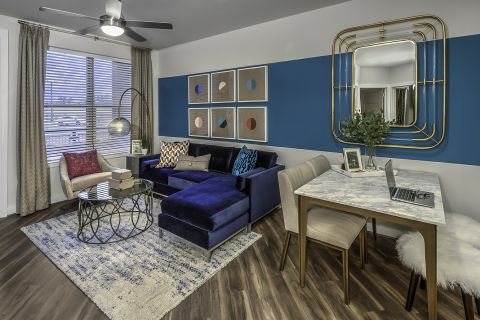 Spacious Living Room at Camden Washingtonian Apartments in Gaithersburg, MD