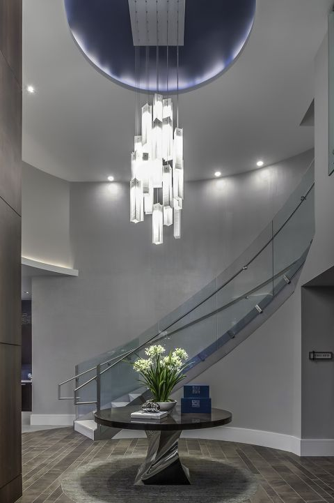 Leasing Center Lobby with Chandelier at Camden Washingtonian Apartments in Gaithersburg, MD