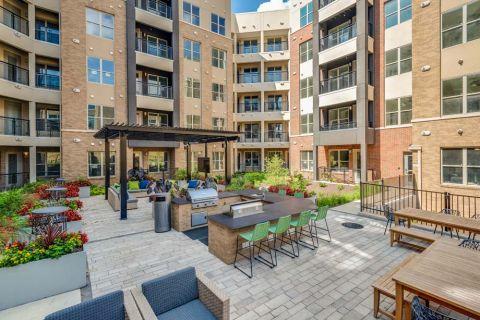 Outdoor Kitchen at Camden Washingtonian Apartments in Gaithersburg, MD