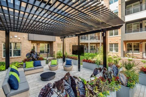 Outdoor Lounge at Camden Washingtonian Apartments in Gaithersburg, MD