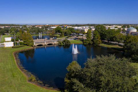 Neighborhood pond near Camden Waterford Lakes Apartments in Orlando Florida