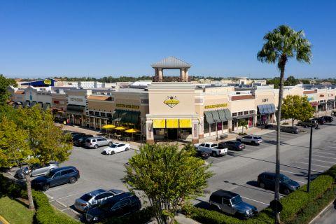 Neighborhood California Pizza Kitchen near Camden Waterford Lakes Apartments in Orlando Florida