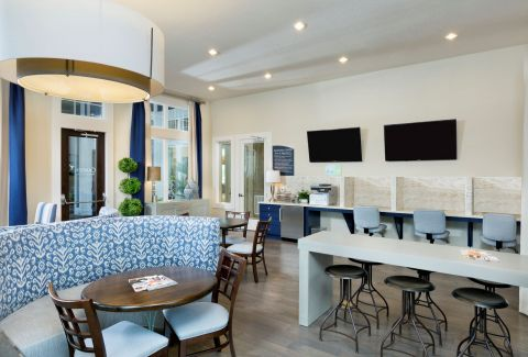 Community Workspace at Camden Waterford Lakes Apartments in Orlando, FL