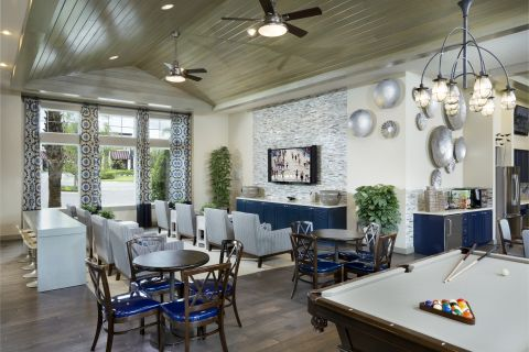 Resident Lounge at Camden Waterford Lakes Apartments in Orlando, FL