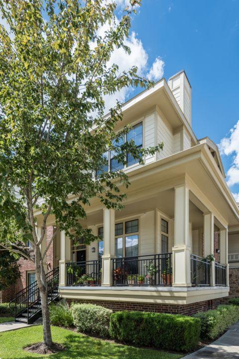 Wrap-Around Patios at Camden Whispering Oaks Apartments in Houston, TX