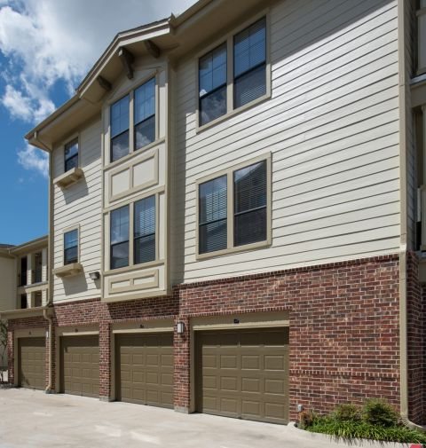 Attached and Detached Garages at Camden Whispering Oaks Apartments in Houston, TX