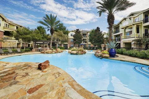 Swimming Pool at Camden Whispering Oaks Apartments in Houston, TX