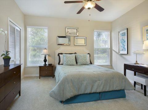 Bedroom at Camden World Gateway Apartments in Orlando, FL