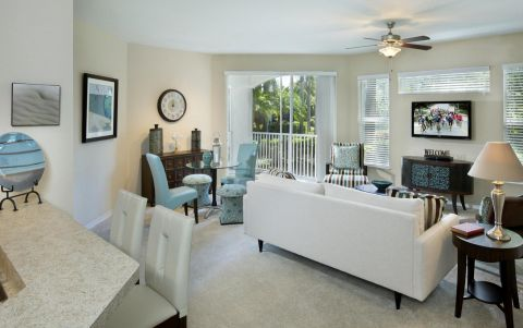 Living Room at Camden World Gateway Apartments in Orlando, FL