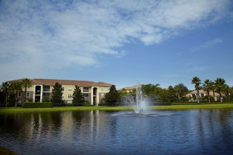 Lake at Camden World Gateway Apartments in Orlando, FL