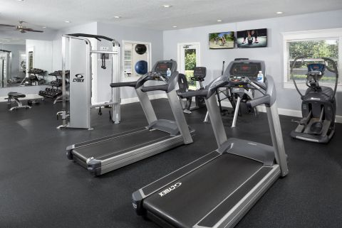 Fitness Center at Camden World Gateway Apartments in Orlando, FL