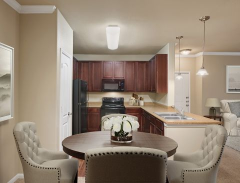 Dining Area at Camden Yorktown Apartments in Houston, TX