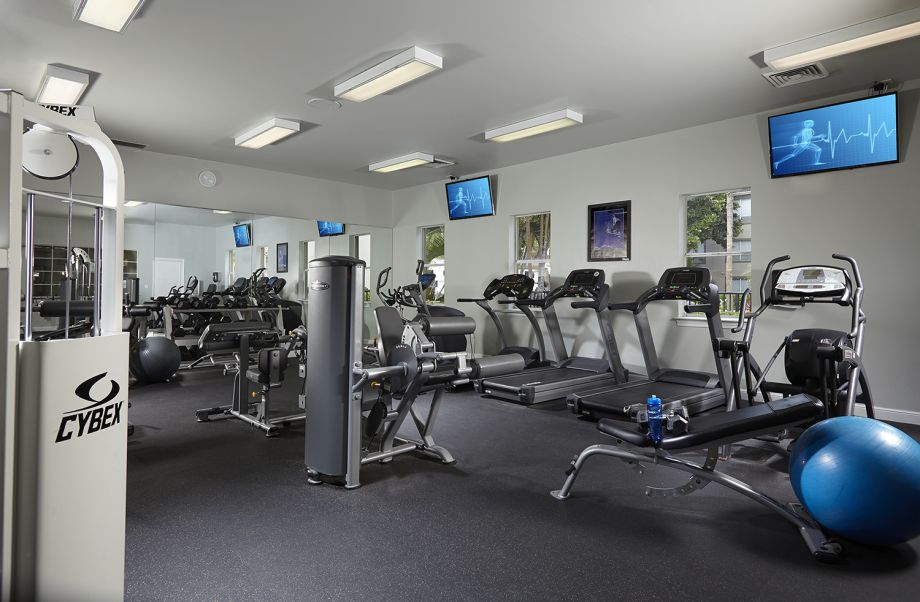 Fitness Center at Camden Aventura Apartments in Aventura, FL