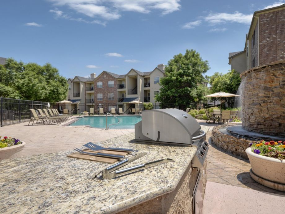 Pool with BBQ Grills at Camden Caley Apartments in Englewood, CO