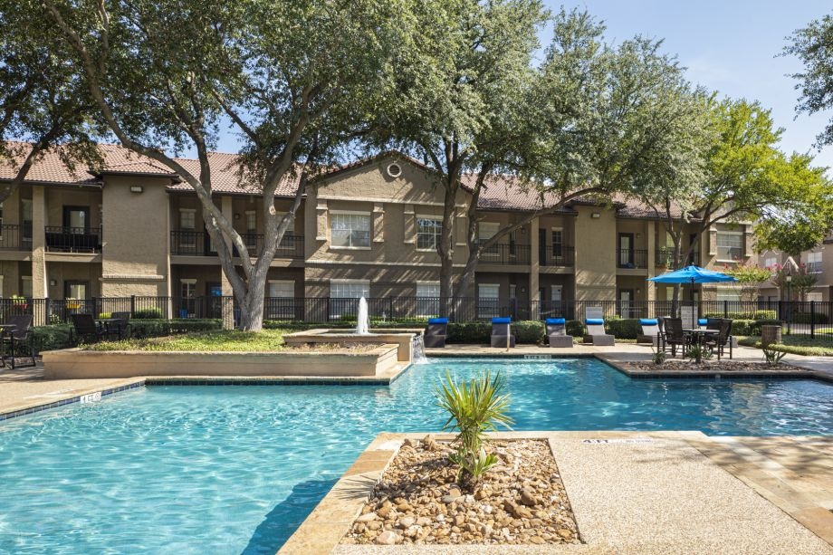 Expansive Pool at Camden Cimarron Apartments in Irving, TX