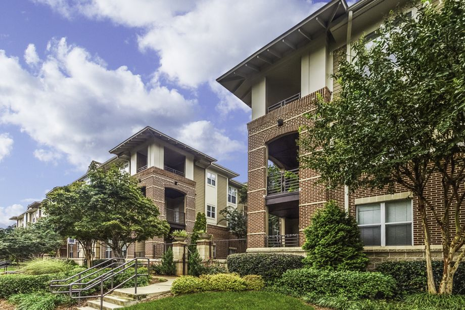 Exterior at Camden Dilworth Apartments in Charlotte, NC