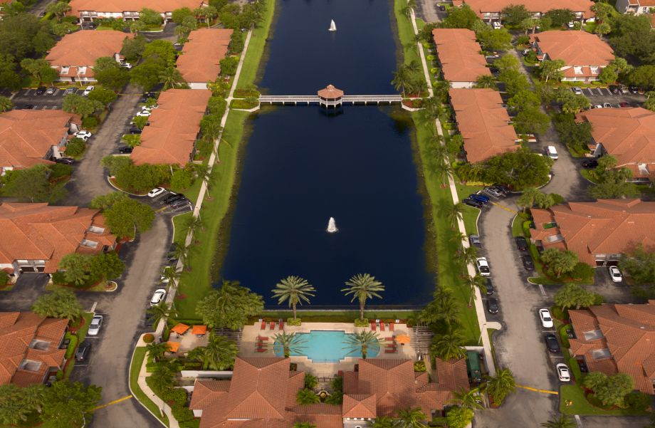 Pool and Lake at Camden Doral Villas Apartments in Doral, FL