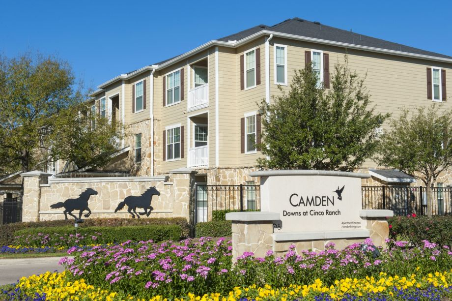Community Entrance at Camden Downs at Cinco Ranch Apartments in Katy, TX