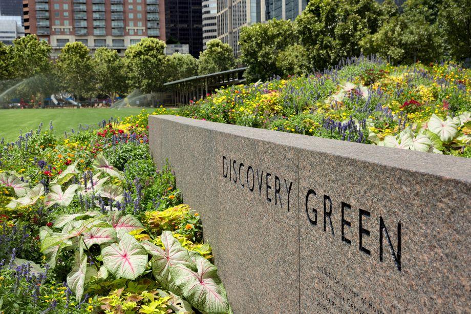 Discovery Green near Camden Downtown Houston apartments in Houston, Texas