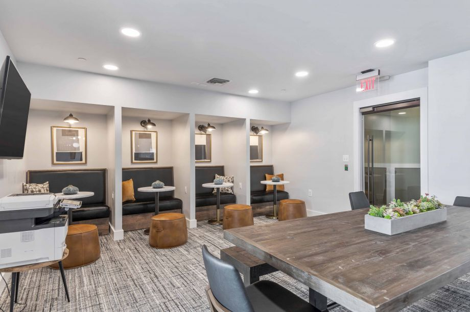 Community Workspace at Camden Dulles Station Apartments in Herndon, VA