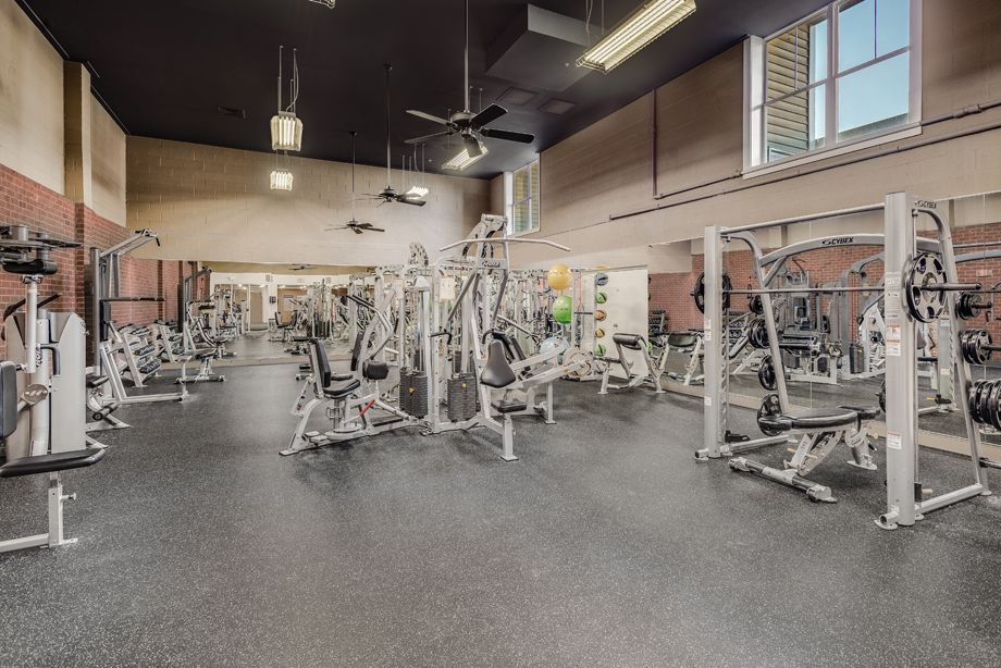 Fitness Center at Camden Fair Lakes Apartments in Fairfax, VA