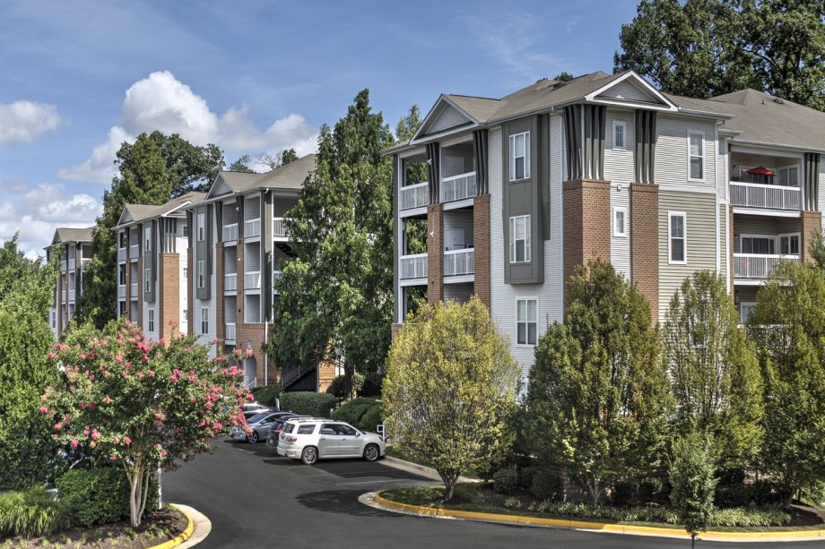 Exterior Building at Camden Fair Lakes Apartments in Fairfax, VA