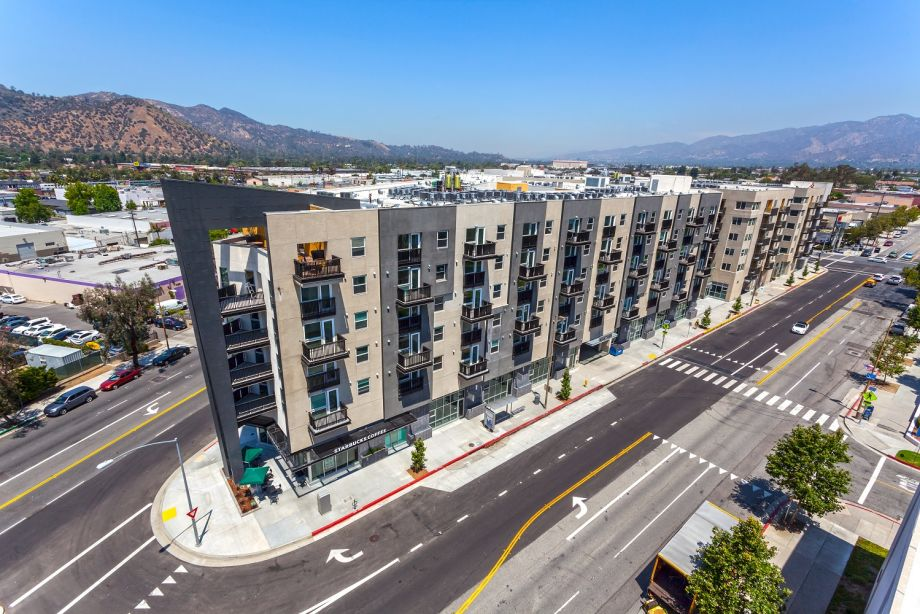 Camden Glendale Apartments with View of Mountains in Glendale, CA