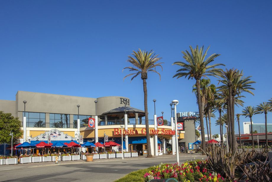 Nearby Shopping and Entertainment at Camden Harbor View Apartments in Long Beach, CA